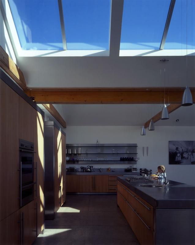 Cardy Net House Kitchen